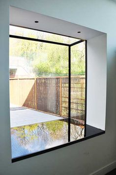 Frameless Windows
