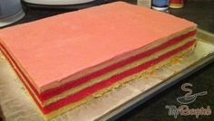 A legfinomabb puncsos sütemény, amit valaha készítettem. Ízre és külalakra is vetekszik a cukrászdában vásárolt süteménnyel. Nem hiába ez a neve: puncsos szelet, akár a cukrászdában.