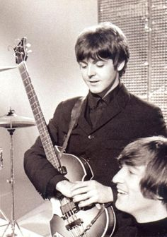 """The Beatles are a famous English band that originated in Liverpool, England. They became """"The Beatles"""" in 1960 and consisted of four very talented and incredibly influential musicians; Beatles Songs, The Beatles, Beatles Photos, Gentlemen Prefer Blondes, Lady And Gentlemen, Great Bands, Cool Bands, The Quarrymen, Zoo Wee Mama"""