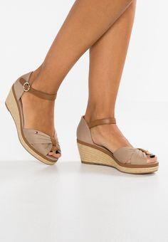 5ca3df0e3e186 Tommy Hilfiger Platform sandals - taupe - Zalando.co.uk Sexy Sandals, Wedge