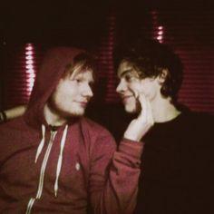 oMG! Ed sheeran and Harry styles my two favorite people