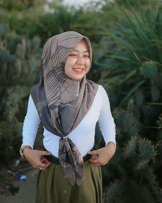 Banda Aceh, Funeral Expenses, Hijab Chic, Dan, Like4like, Model, Instagram, Lightroom, Happy