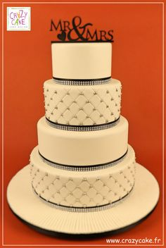 Mr & Mrs - Wedding Cake