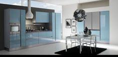 Renkli mutfak planlarken sadece bilindik renklere bağlı kalmanıza gerek yok, mavi renk çok huzur verici ve rahatlatıcı bir renk olmasına rağmen genelde oda tasarımlarında kullanılır. Ama m