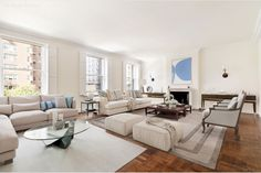 Katie Couric just sold her wallpaper-filled Upper East Side apartment, and we're digging the patterns that grace the beloved news broadcaster's former walls. Peek inside Couric's light-filled and spacious Park Avenue home here. Park Avenue Apartment, New York City Apartment, Apartment Interior, Open Kitchen Layouts, Bike Room, Katie Couric, New Condo, Upper East Side, Living Room With Fireplace