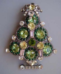 VRBA Christmas tree pin