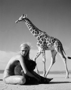 Michel Comte | Jaime giraffe II | fashion | animal friends | black & white | monkey | giraffe | editorial | cool | photo | www.republicofyou.com.au