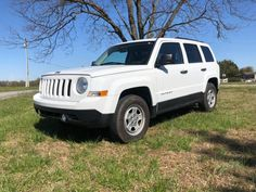 Jeep Greenville, Im selling my 2014 Jeep Patriot with miles. This vehicle gets great gasoline consumption highway and also city. White Jeep Patriot, 2014 Jeep Patriot, 2007 Jeep Wrangler, Jeep Cj, Jeep 2014, Sell Used Car, Used Jeep, Small Suv