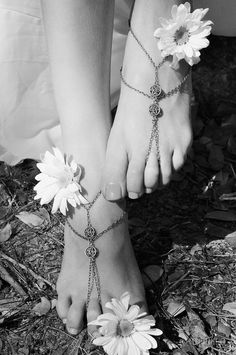 Feet and Daisies