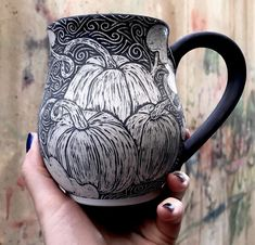 Sgraffito, Clay Mugs, Ceramic Clay, Ceramic Bowls, Pottery Mugs, Ceramic Pottery, Pottery Art, Ceramic Techniques, Pottery Techniques