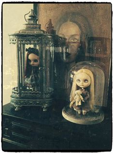 I like the doll in a lantern idea for display Ooak Dolls, Blythe Dolls, Haunted Dolls, Doll Display, Gothic Dolls, Creepy Dolls, Custom Dolls, Doll Face, Box Art