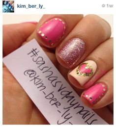Super cute glittery valentines day nails by @kim_ber_ly_ on Instagram