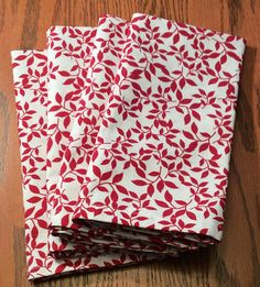 Items similar to Dinner Napkins - Red and White - Vine Pattern - Cloth Dinner Napkins - Handmade on Etsy Cloth Dinner Napkins, Clothing Patterns, Vines, Red And White, Unique Jewelry, Tableware, Handmade Gifts, Wedding, Vintage