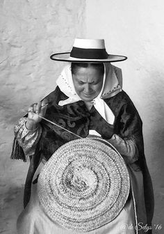 Ibiza Formentera, Ibiza Style, Ibiza Fashion, Balearic Islands, Melting Pot, Traditional Clothes, Painting Inspiration, Vintage Photos, Portrait Photography