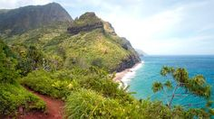 Hawaii - 20 Epic Day Hikes in North America - weather.com