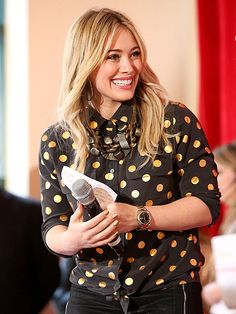 FEELING FESTIVE photo | Hilary Duff