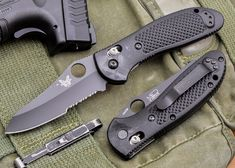 Benchmade Knives: 550SBKHG - Griptilian - Black Blade - Serrated