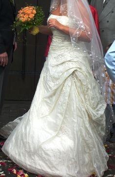 ♥ Brautkleid Größe 42 in Champagnerfarben ♥  Ansehen: http://www.brautboerse.de/brautkleid-verkaufen/brautkleid-groesse-42-in-champagnerfarben/   #Brautkleider #Hochzeit #Wedding