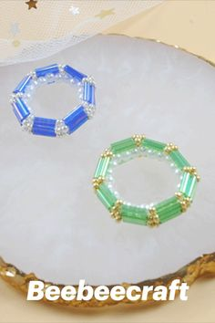 #Beebeecraft excellent idea on making DIY #rings with #buglebeads . #jewelry #jewelrymakingsupplies #supplies #crafts #diy #jewelrymaking Diy Beaded Rings, Diy Rings, Bugle Beads, Seed Beads, Bee Crafts, Jewelry Making Supplies, Rainbow Colors, Ring Crafts, Rainbow Colours