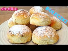 Ekspresowe bułeczki twarogowe bez drożdży 👌 słodkie bułeczki idealne na śniadanie lub przekąskę 👍 - YouTube Polish Recipes, Polish Food, Dessert Recipes, Desserts, Fodmap, Cake Cookies, Food And Drink, Make It Yourself, Baking