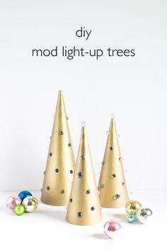DIY Mod Light-Up Trees. Click through for the full tutorial!   www.vitaminihandmade.com