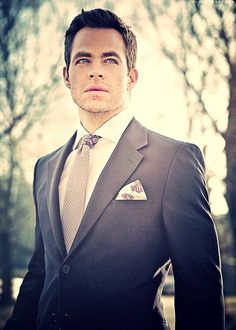 Chris Pine...is it getting warm in here, it feels kinda warm, or is it just me?  Sighhhhh...