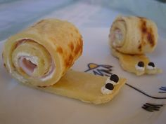 Pfannkuchen-Schnecken (mit Kräuterfrischkäse und gekochtem Schinken)