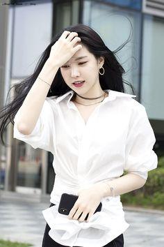 Son Na Eun Apink❤180624 K Pop, Asian Woman, Asian Girl, Korean Photo, Apink Naeun, Jennie Kim Blackpink, Fashion Beauty, Womens Fashion, Beautiful Asian Women