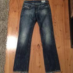Diesel jeans Gently worn jeans has paint stains on the back bottoms as shown in last picture if any questions plz ask make offers Diesel Jeans
