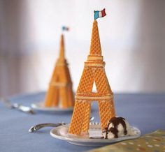 Eiffel Tower cookie sundae
