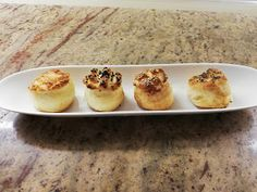 Évi néni kulináris kalandozásai: Sajtos-tejszínes pogácsa Cheddar, Baked Potato, Potatoes, Baking, Ethnic Recipes, Food, Cheddar Cheese, Potato, Bakken