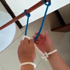 Amazing Life Hacks, Simple Life Hacks, Useful Life Hacks, Survival Knots, Survival Tips, Survival Skills, House Cleaning Tips, Cleaning Hacks, Knots Guide