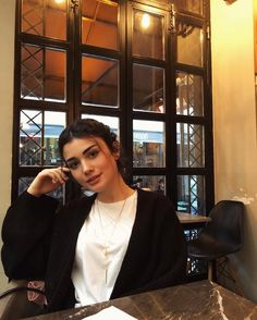 Beauty Care, Hair Beauty, Stylish Girl Images, Turkish Beauty, Turkish Actors, Girls Image, Celebs, Celebrities, Hollywood