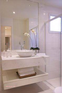Love the vanity Bathroom Layout, Modern Bathroom Design, Bathroom Interior Design, Small Bathroom, White Bathroom, Bad Inspiration, Bathroom Inspiration, Bathroom Shower Panels, Washbasin Design