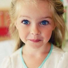 her eyes>