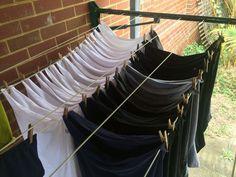 ocupa menos espacio al colgar tu ropa de esta forma  Estos trucos te salvaran la vida