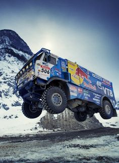 Repül a kamion!