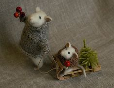 Christmas mice. Natasha is my favorite artist. I soooo want to take this up one day!