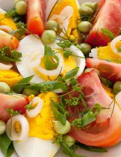 Σαλάτα με αυγά ντομάτες και φρέσκα λαχανικά - gourmed.gr Greek Recipes, My Recipes, Salad Recipes, Egg Salad, Caprese Salad, Salad Bar, Recipe Collection, Appetizers, Nutrition