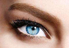 Schöne, volle Augenbrauen sind einfach ein Muss! Ganz leicht gelingt das mit dem neuen BROW SATIN von Maybelline!