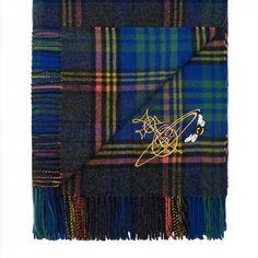 タータンストールスカーフを発売ヴィヴィアンウエストウッドが老舗ジョンストンズとコラボレーション