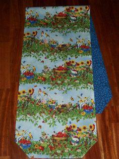Garden Birds & Berries Reversible / Blue Stone Mosaic Table Runner