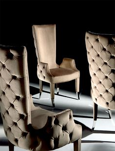 DEEP BUTTONED UPHOLSTERED