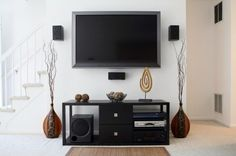 Small Apartment Living Room Hacks Smart Ideas So It Looks Broad - Decorate Your Home Modern Tv Cabinet, Modern Tv Wall, Home Theatre, Home Theater Speakers, Living Room Hacks, Living Room Decor, Living Rooms, Small Living, Home And Living