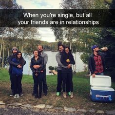 Get your laugh on to these 22 hilarious jokes only single people can relate to. Memes Humor, Funny Jokes, Humor Humour, Single People, Humor Grafico, I Laughed, Laughter, Haha, Funny Pictures