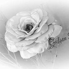 # Gülşen Pazaroğlu # Kumaş#kurdele#deri#çiçekler# #Tasarım#Keselerim#  #Tasarım Çiçekler Yapıyorum Kapalı Gurup#