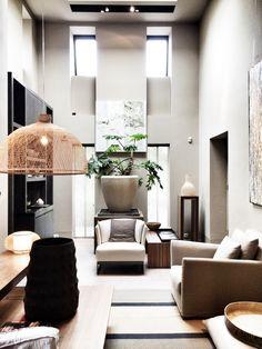 deze kleur op 1 muur in de woonkamer, bijv. waar de tv staat ...