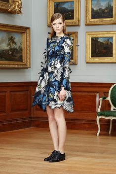Erdem Pre-Fall 2015 - Collection - Gallery - Style.com Runway Fashion, Fashion Show, Fashion Design, Fashion 2015, Women's Fashion, Fashion Editorials, Fashion Prints, Luxury Fashion, 2015 Trends