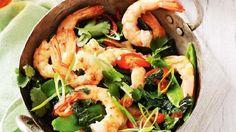 Falafel, rice paper rolls, prawn stir fry: Monday Meal Plan