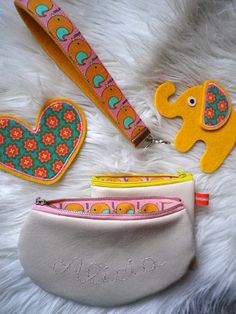Eigene Kreationen Kinder Mädchen bunt retro Vögel Elefant Blumen Tasche Schlüsselband Herz mit Stoff von fummelhummel - stoffn.de